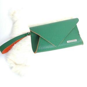 Jantaminiau green/orange wristlet